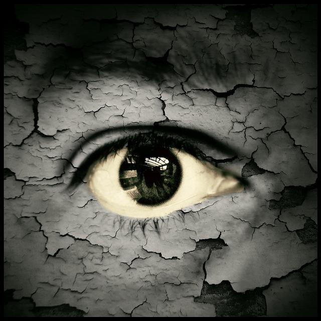 eye-catcher-74182_640