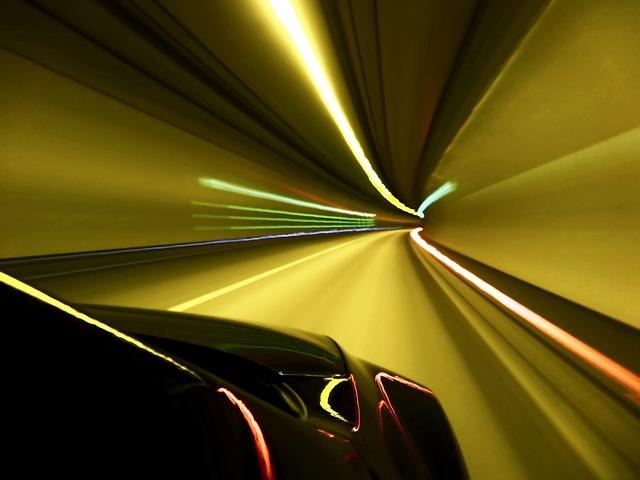 tunnel-101976_640